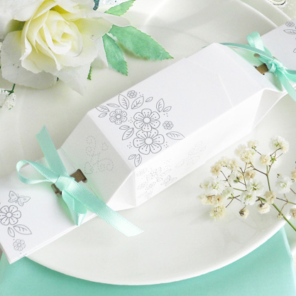 Favour Cracker floral design with aqua ribbons
