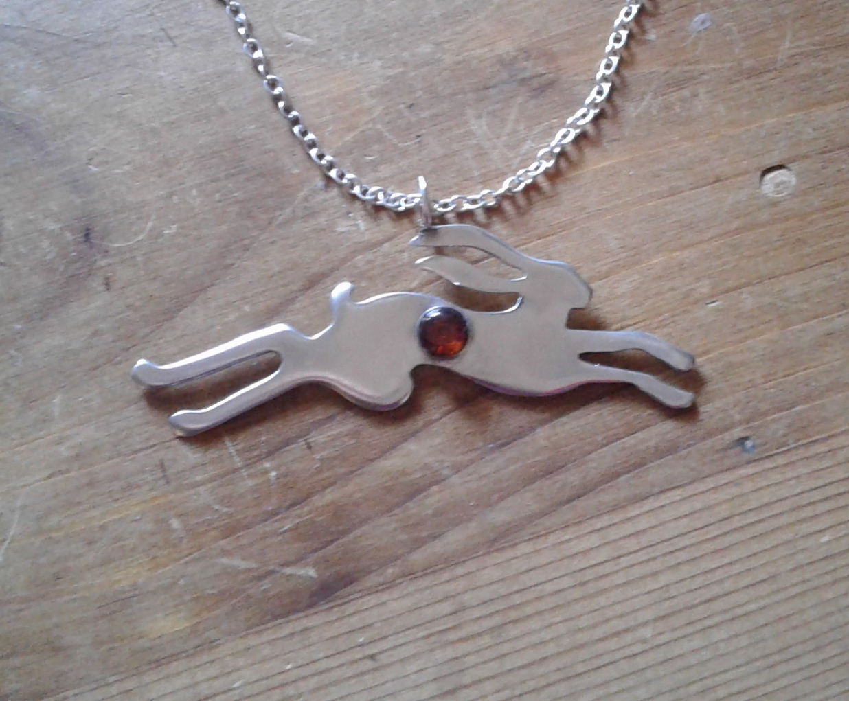 The tale of the Amber Hare (silver chain)