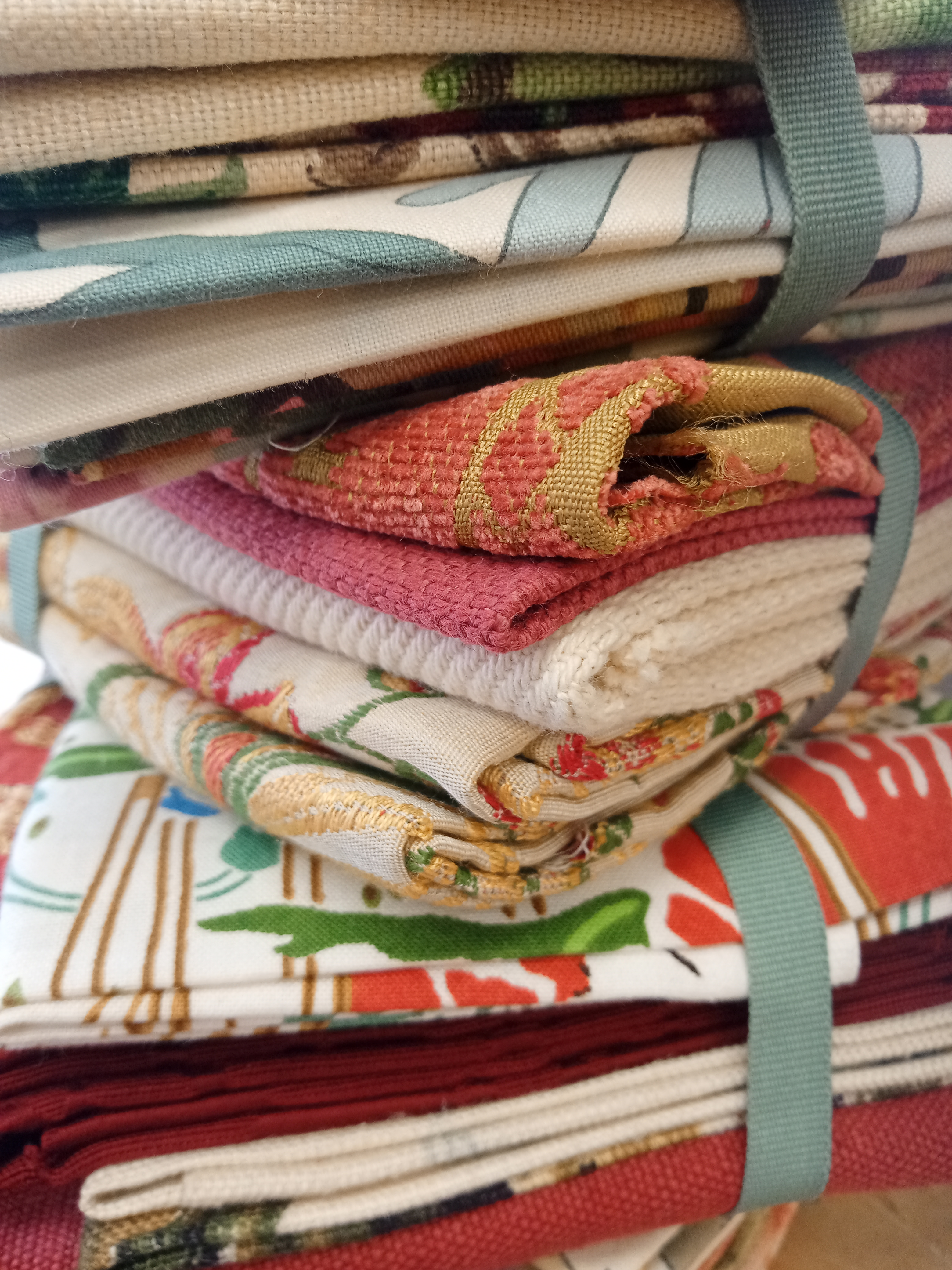 MYSTERY SHABBY CHIC FABRIC BUNDLE
