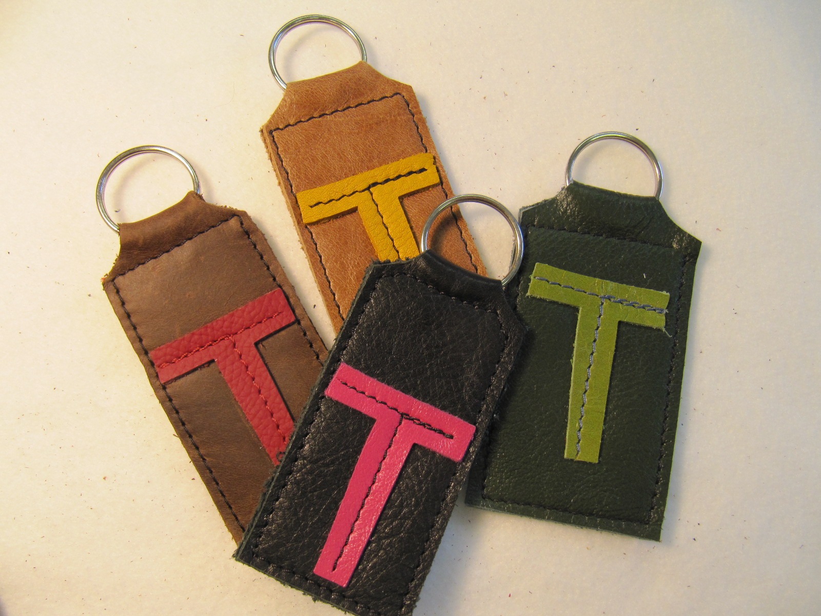 Initial leather key fobs 'T'