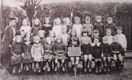 Corton School Pupils 1919