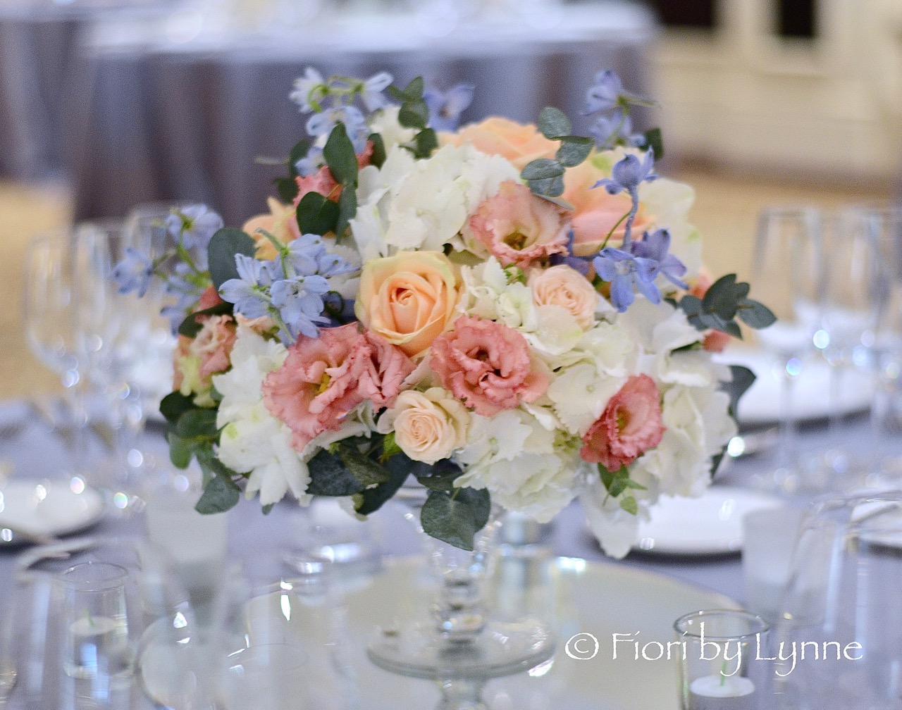 low-centrepiece,white,blue,peach-pink-summer-flowers-classic.jpg