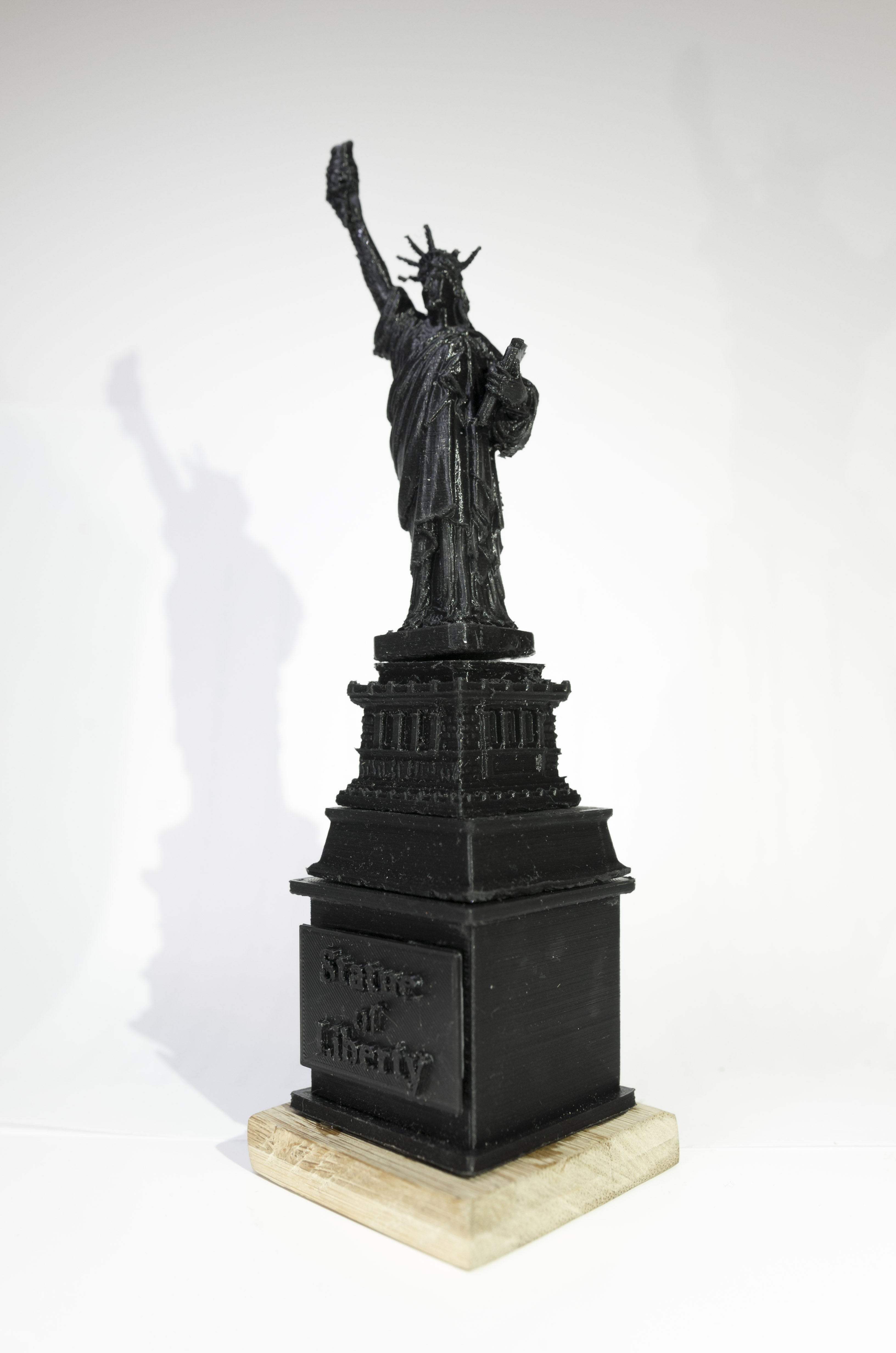 deface-a-statue: Statue of Liberty