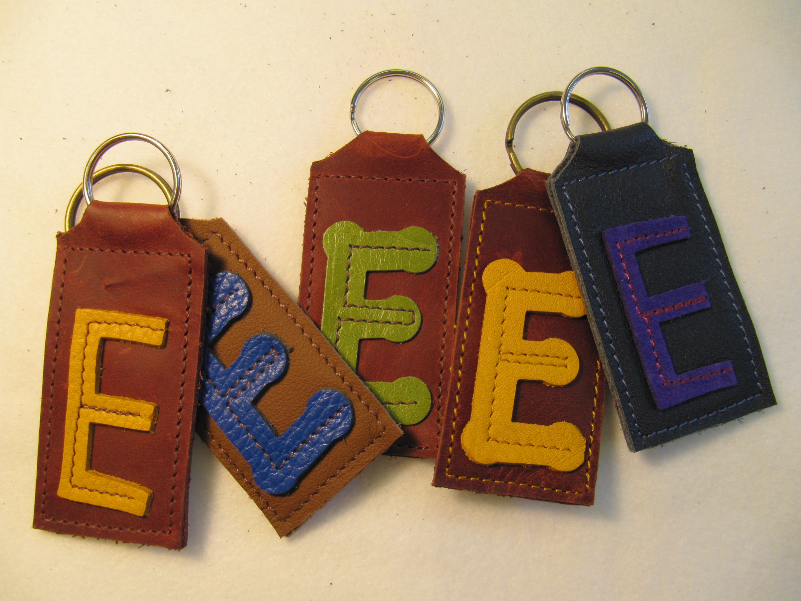 Initial leather key fobs 'E'