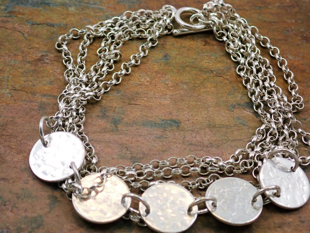 5 chain hammered circles bracelet