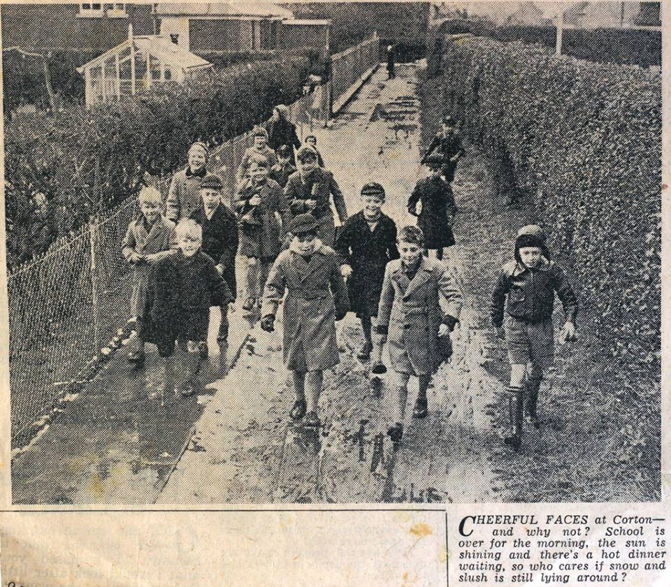 1957 School Children going home for lunch