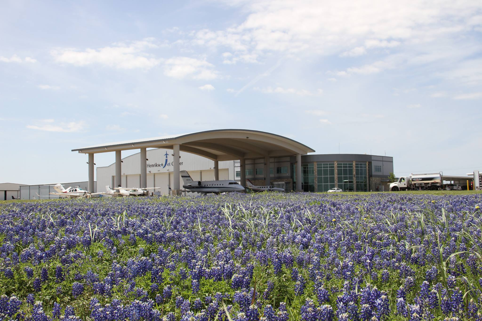 Henriksen Jet Center, Austin Executive/KEDC eyeing up extra traffic
