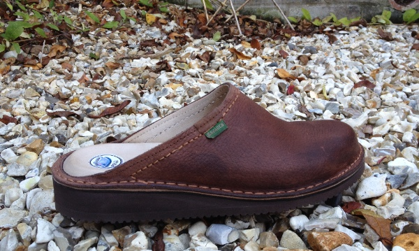 Standard Plus Mule in Polished Brown
