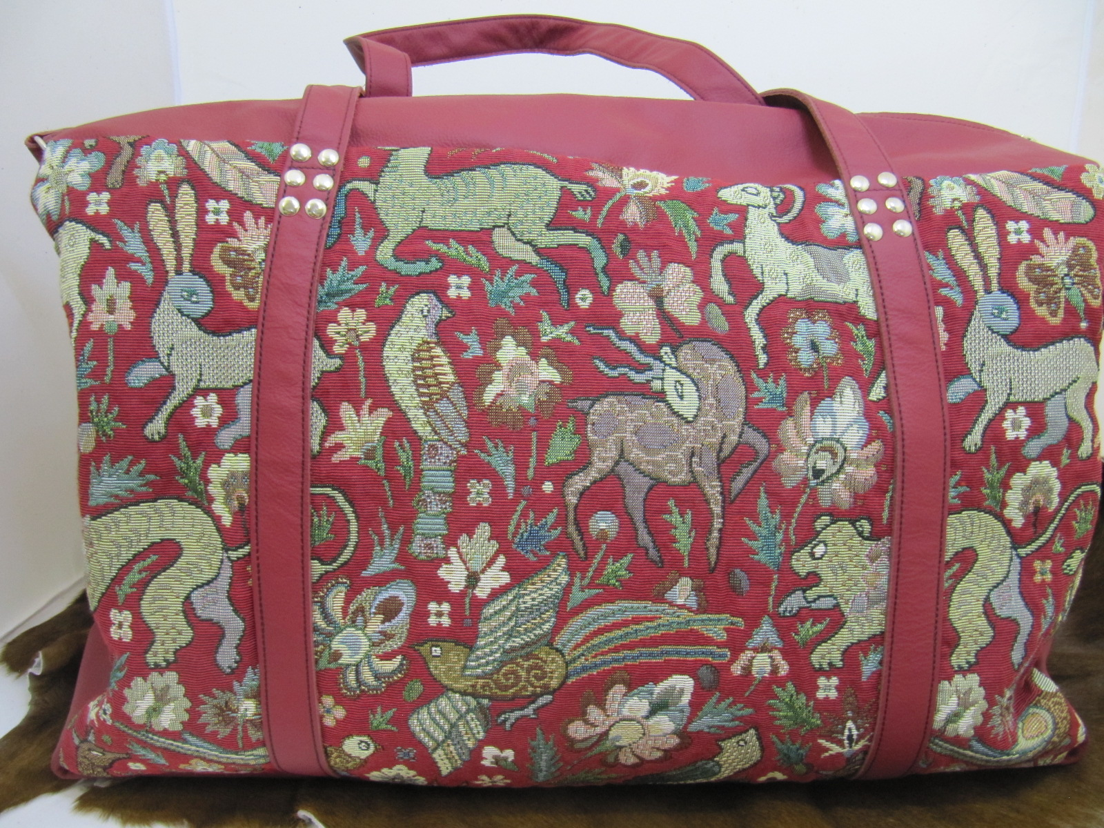 Flight Travel bag in Mediaeval Tapestry fabric and red leather