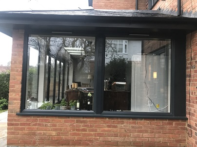 Fixed windows to side of extension Antracite Grey