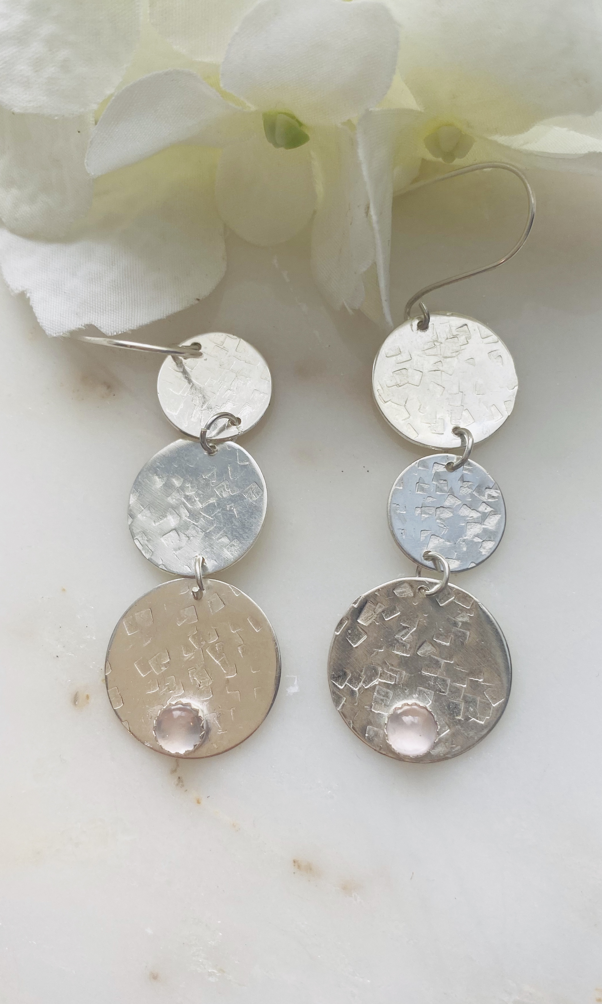 Rose quartz 3 circle hammered earrings