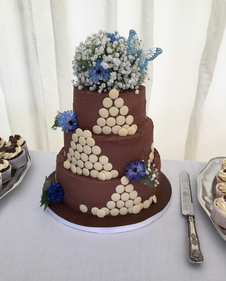Chocolate Wedding Cake and Cupcakes
