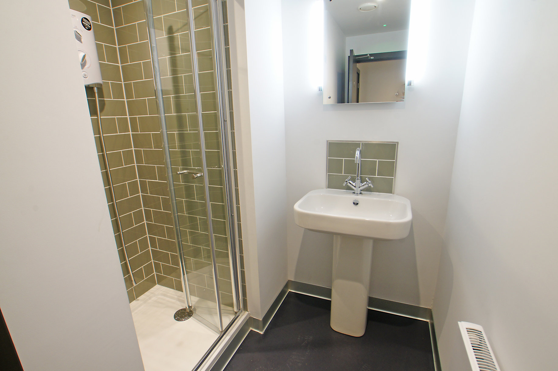 Sussex House Office Space in Chichester with shower