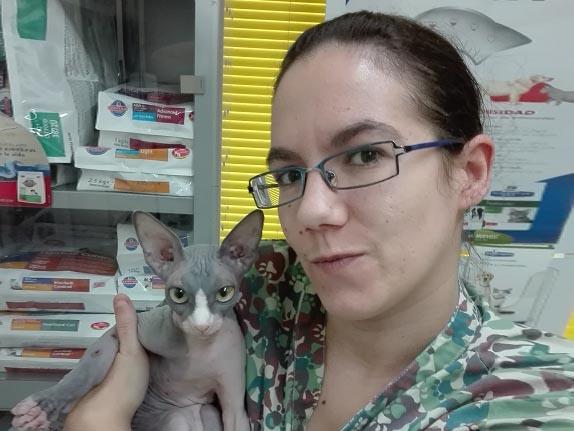 Paloma del Toro, auxiliar en veterinarios Madrid