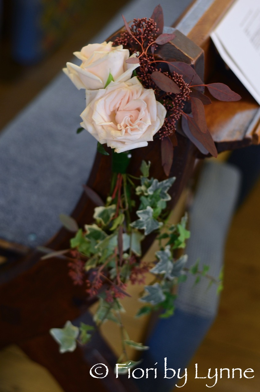 pew-end-autumn-wedding,rose,berry,ivy-trails.jpg
