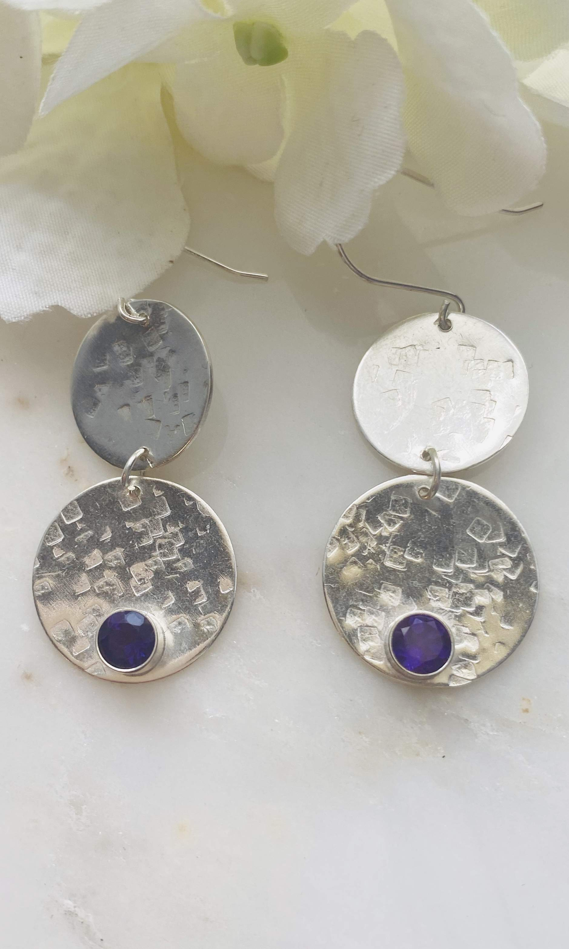 Amethyst 2 circle hammered earrings
