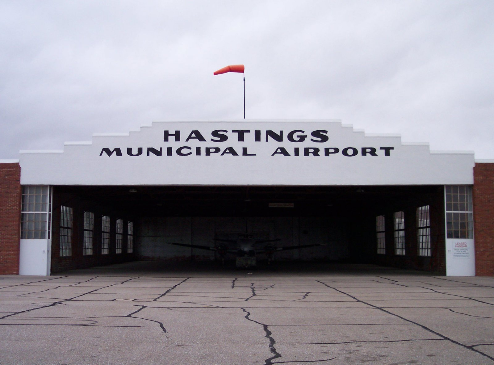 Hastings Municipal Airport, Nebraska/KSNB gets FBO