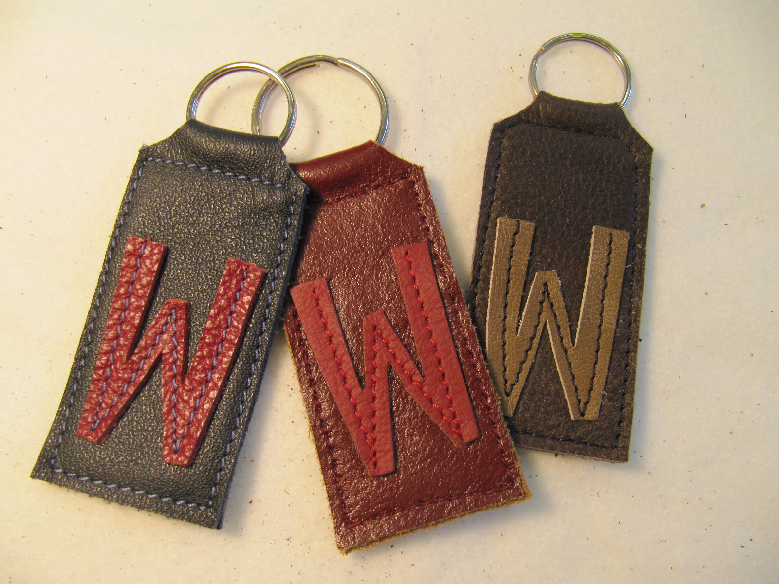 Initial leather key fobs 'W'