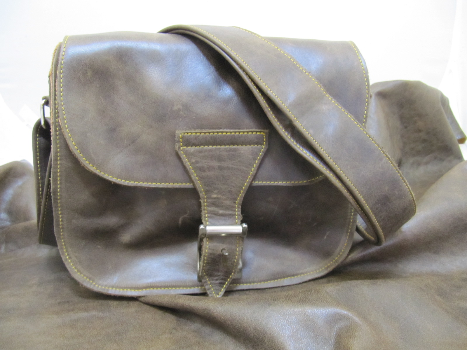 Vintage Brown leather cartridge style bag