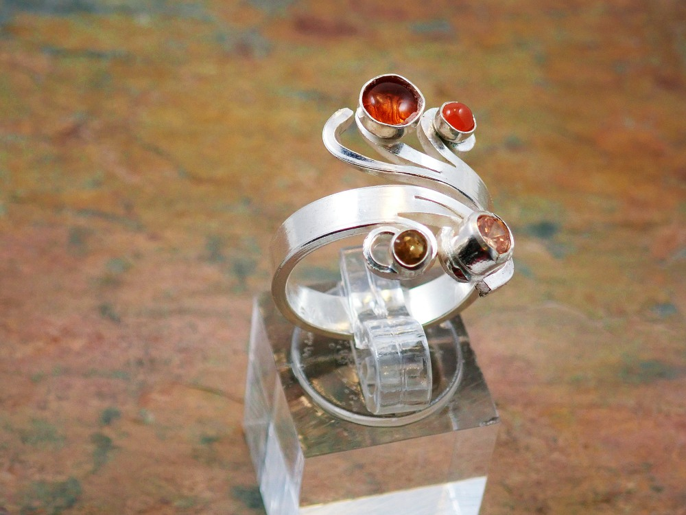Amber, carnelian and citrine curl ring