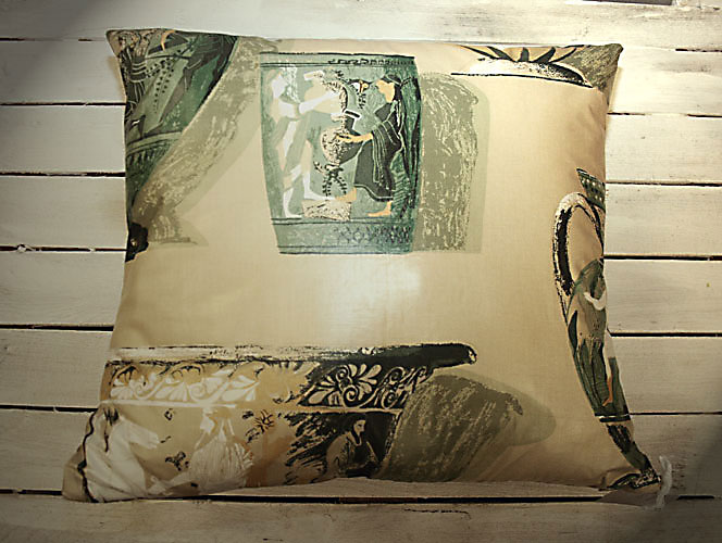Corinthian Vases in Green Cushion