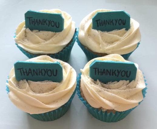 Thank You Banner Cupcakes