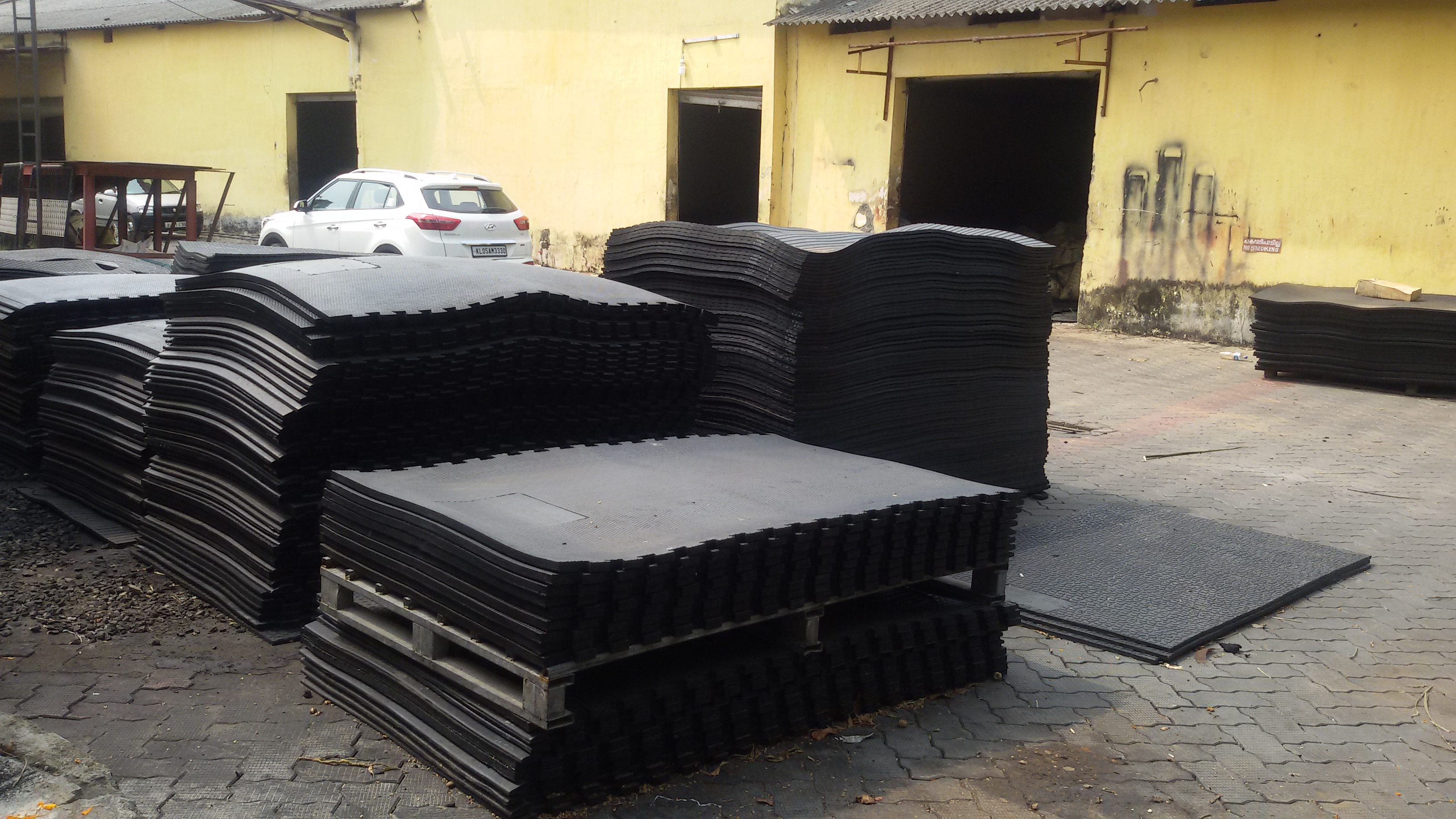 manufacturers com cow anti suppliers mat at mats alibaba and showroom rubber slip stable
