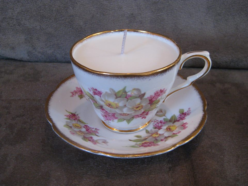 Scented tea cup candle