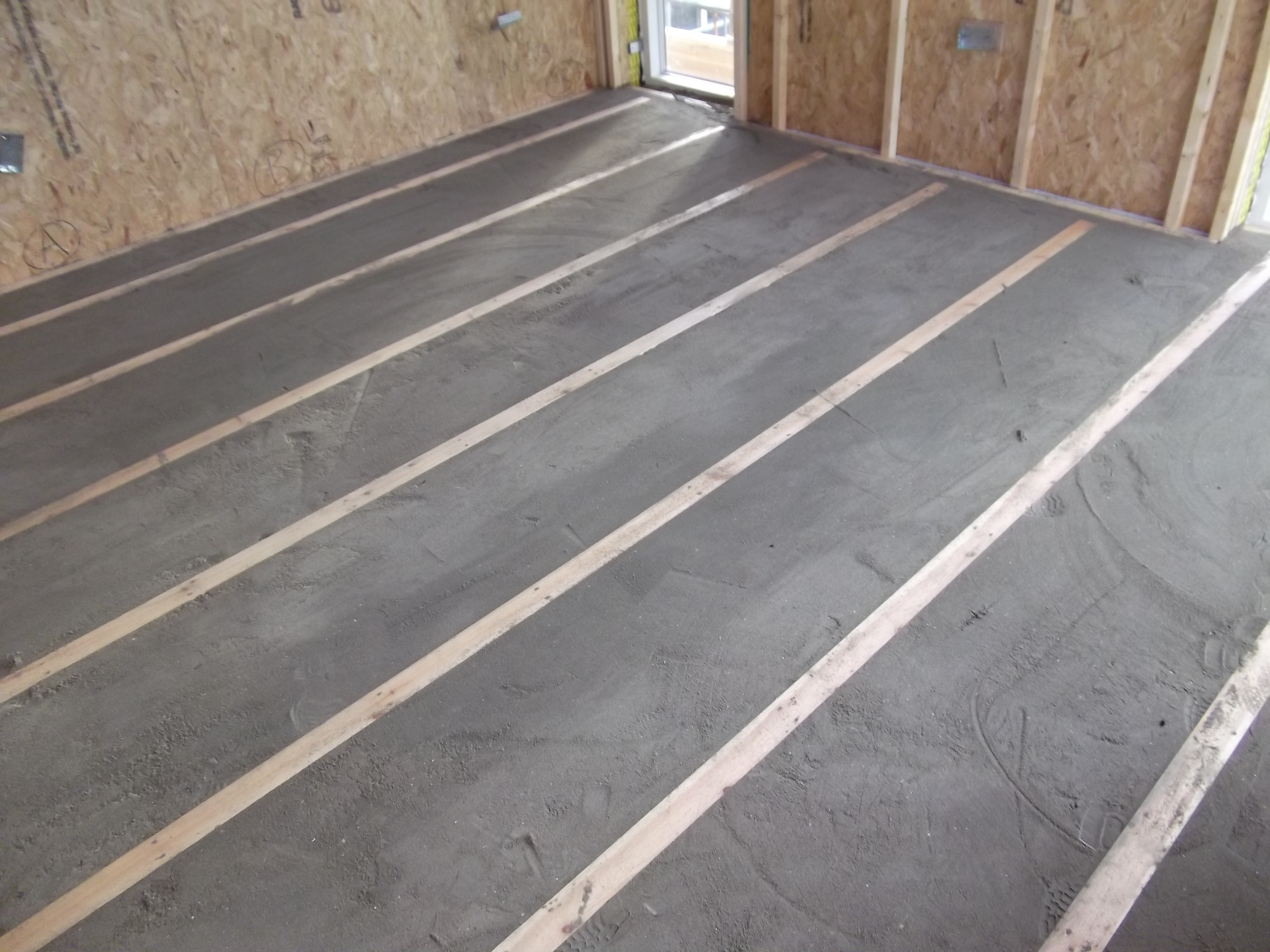 Fluid ufh for Suspended concrete floor