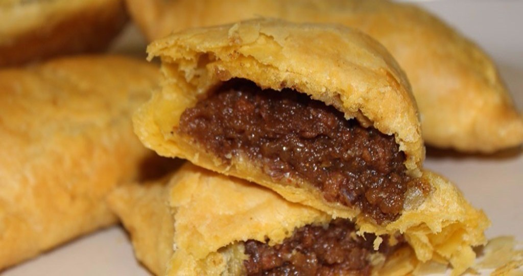 beef jamaican pattie x 12 regular patties
