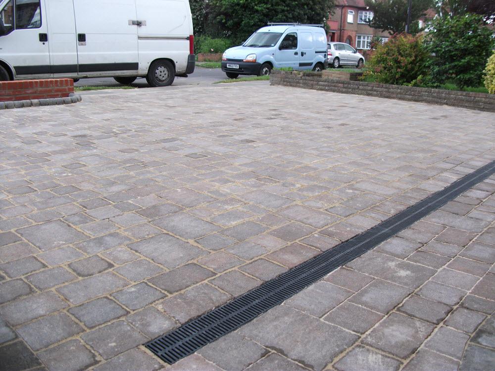 Landscape gardener garden wall paving decking lawn for Garden decking north london