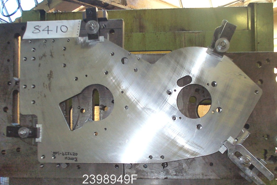 Large steel end plate