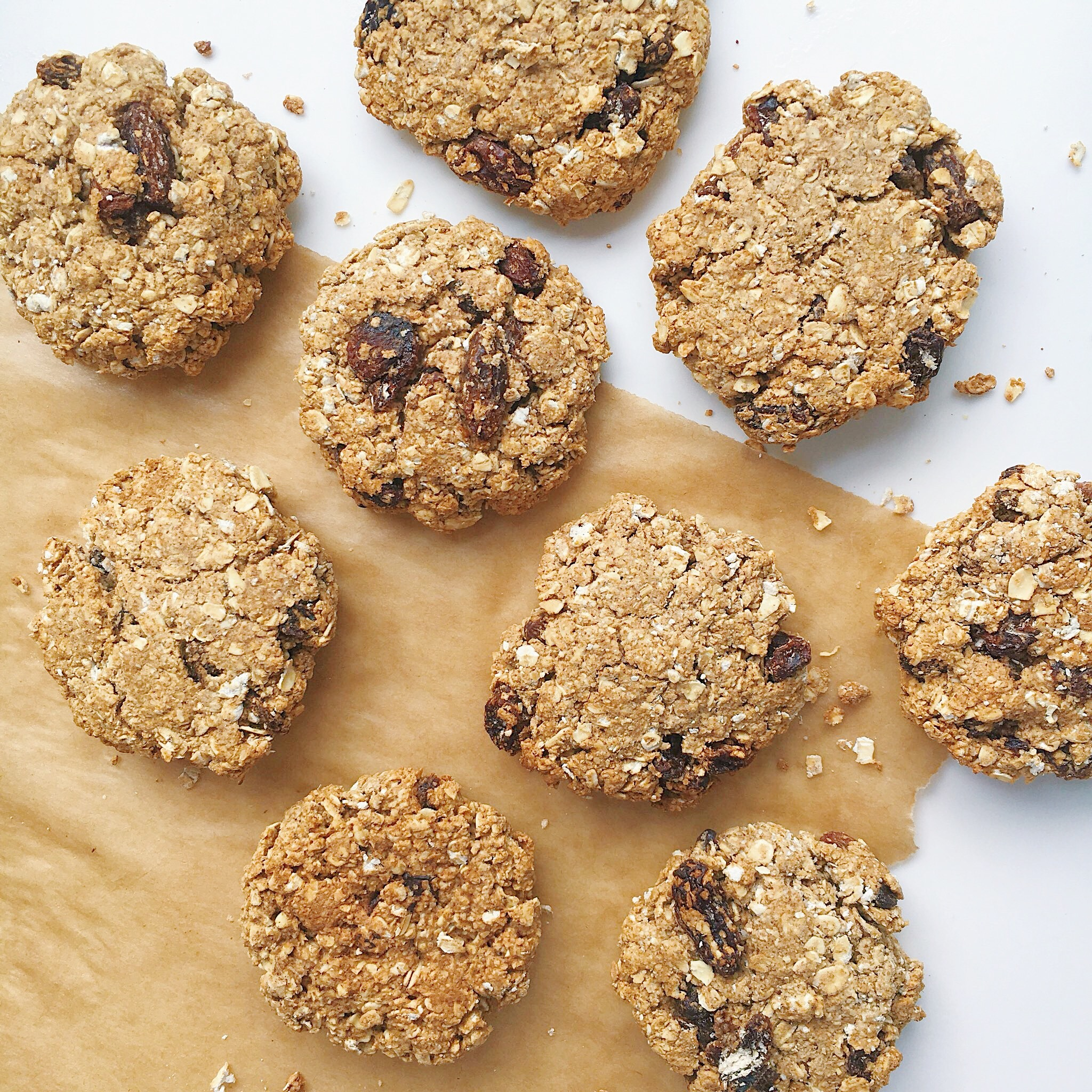 Maple. Raisin. Cinnamon. Oat Crackles