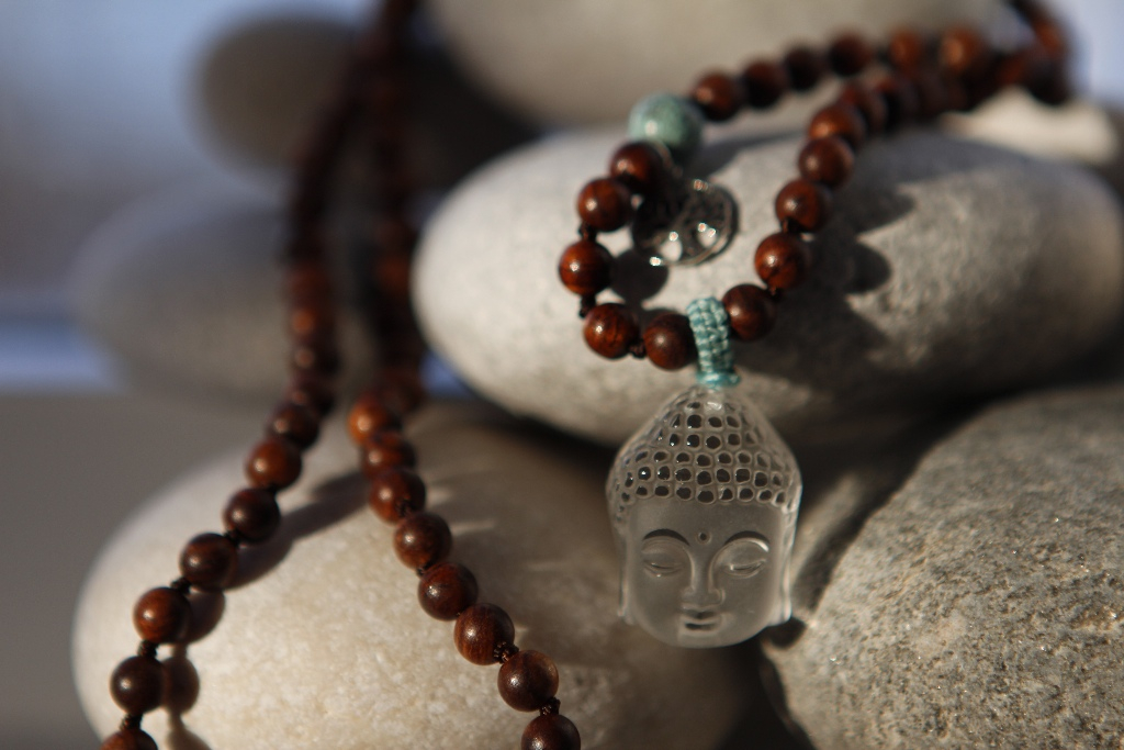 Mala 4mm wooden beads with turquoise details, Quanyin pendant