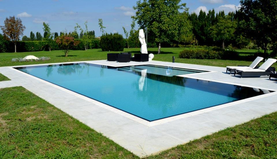 piscina a sfioro piscina privata