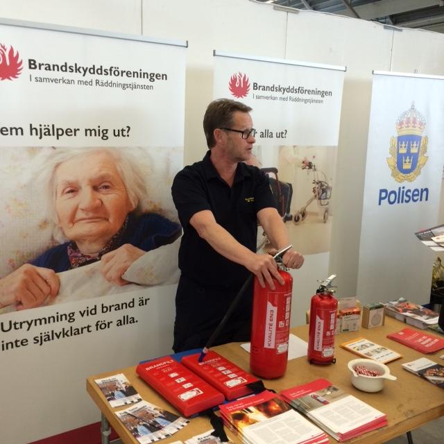 Ulf Person, enhet Samhällsskydd informerar om brandskydd på Äldremässan