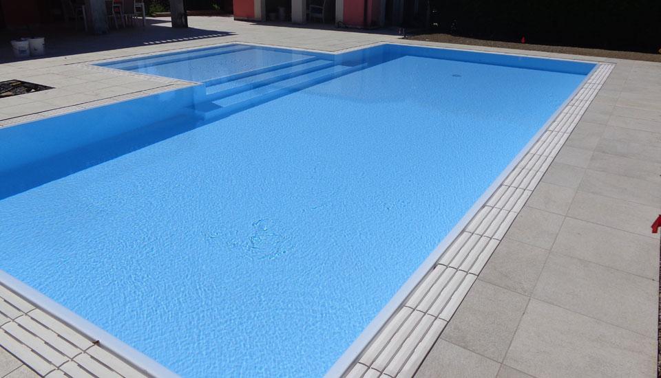 Zavatti piscine costruzione piscina interrata a sfioro - Piscina mantova ...