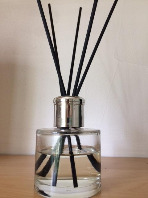 Winter Berries luxury reed diffuser