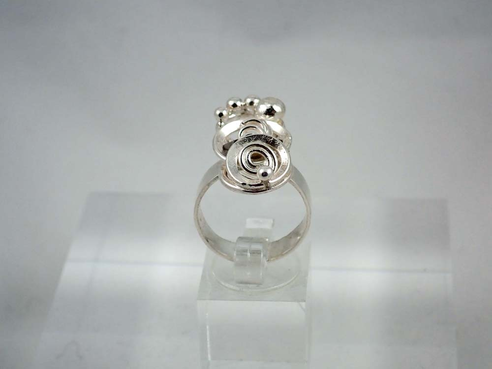 Bobble and 2 different spirals ring