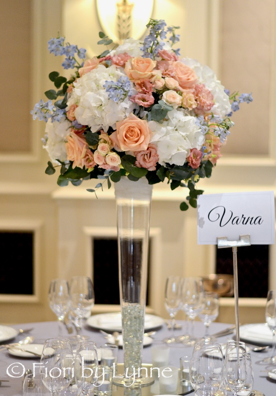 tall-centrepiece,white,blue,peach,summer.jpg
