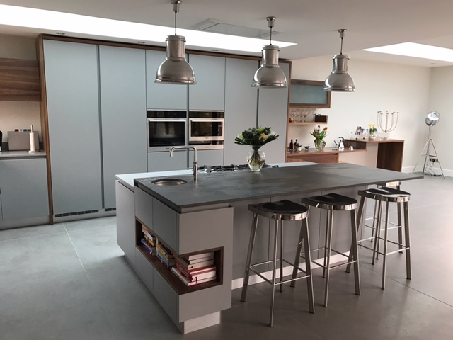 Handleless kitchen Harpenden