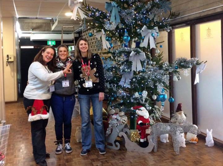 Pupils Delight at Christmas Tree Switch-on for PTA Fayre