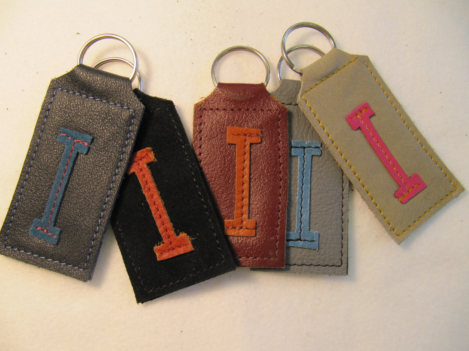 Initial leather key fobs 'I'