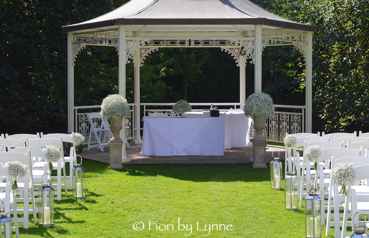 LainstonHouse-outdoor-wedding-flowers-aisle+pavilion.jpg