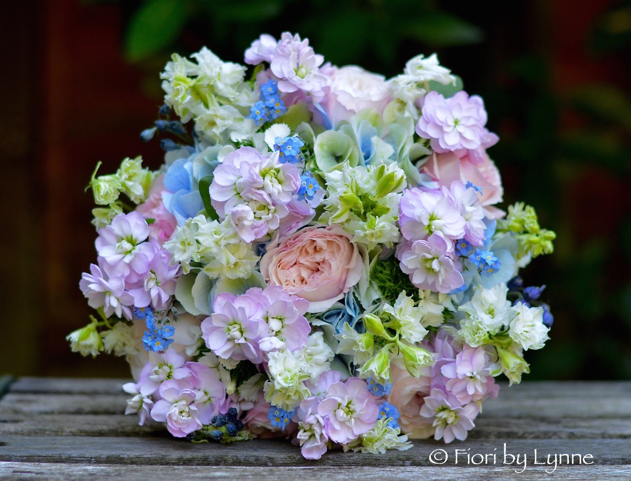 blue-pink-summer-bouquet-natural-style.jpg