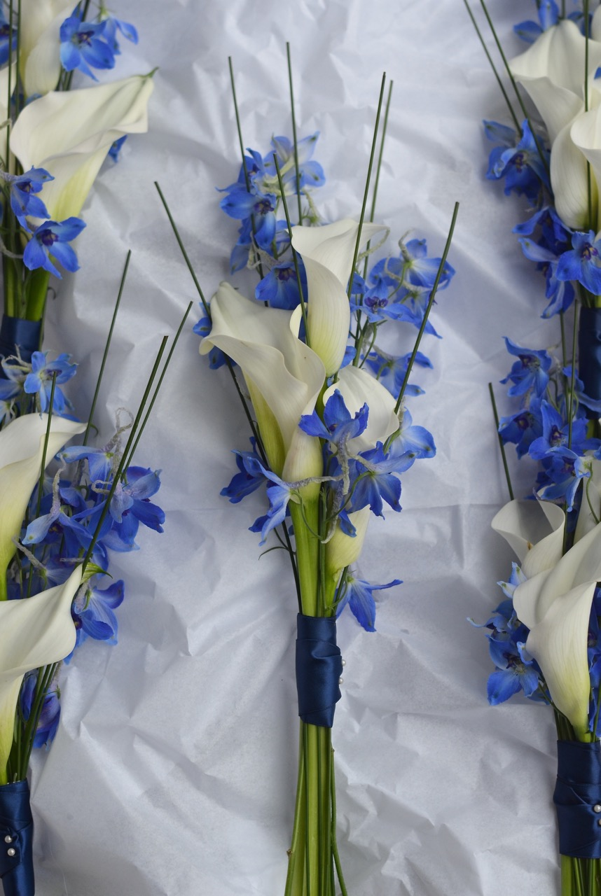 bouquet-white-callas-blue-delphinium-grasses-bridesmaids.jpg