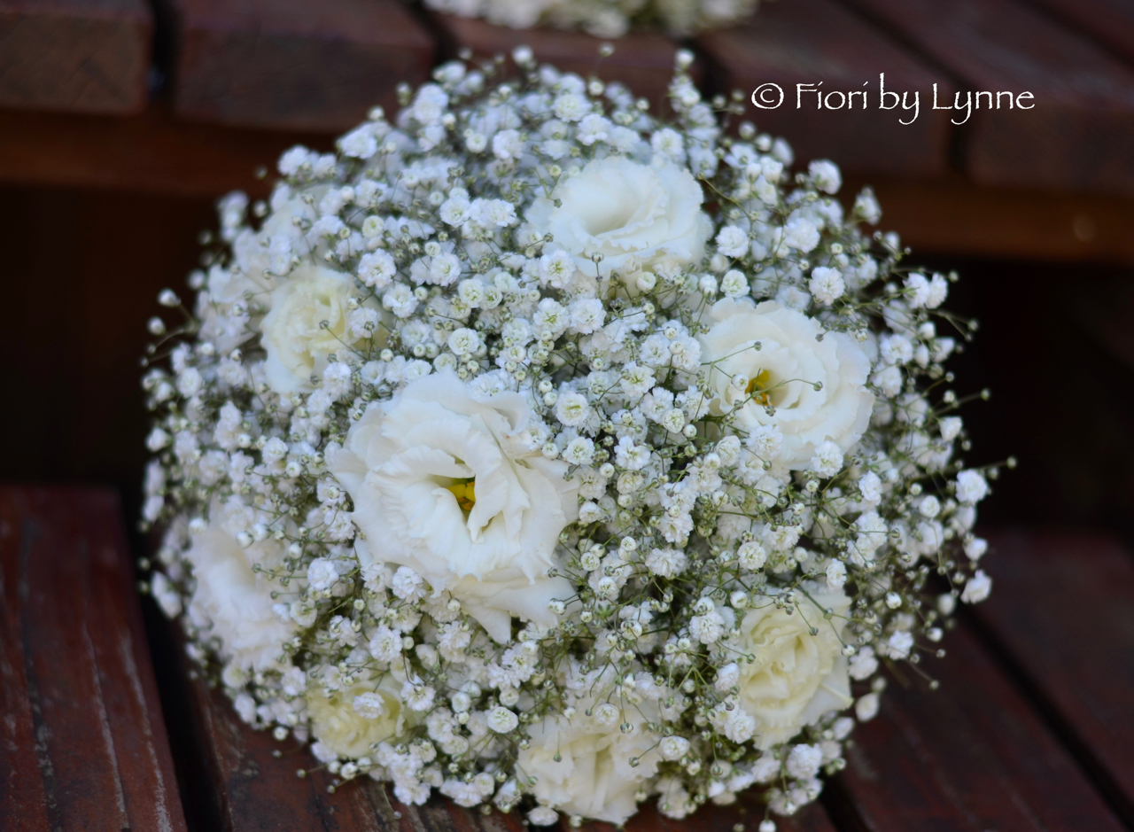 bouquet.white.lisianthusmassed-gypsophila_1.jpg