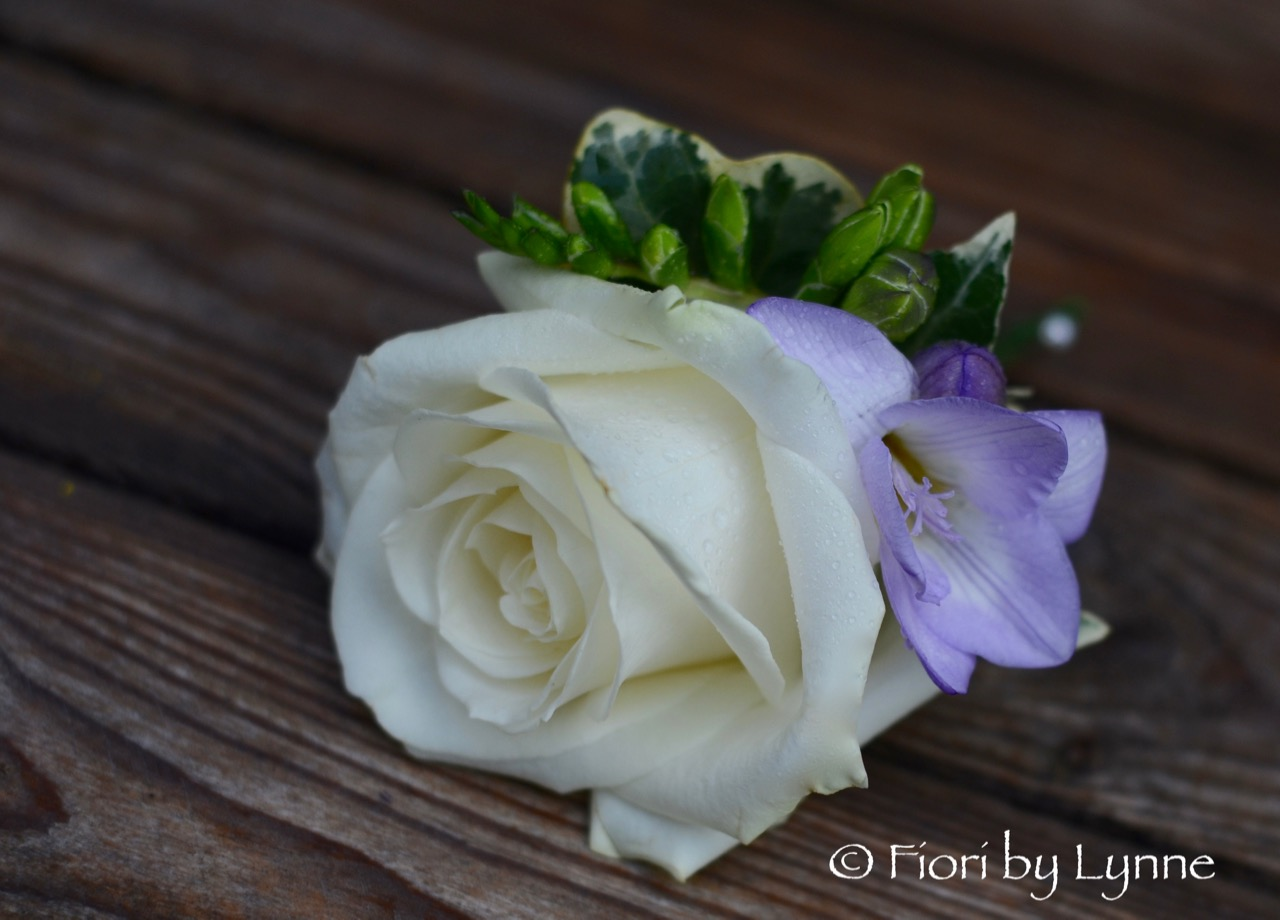 buttonhole-lilac-freesia-white-rose.jpg