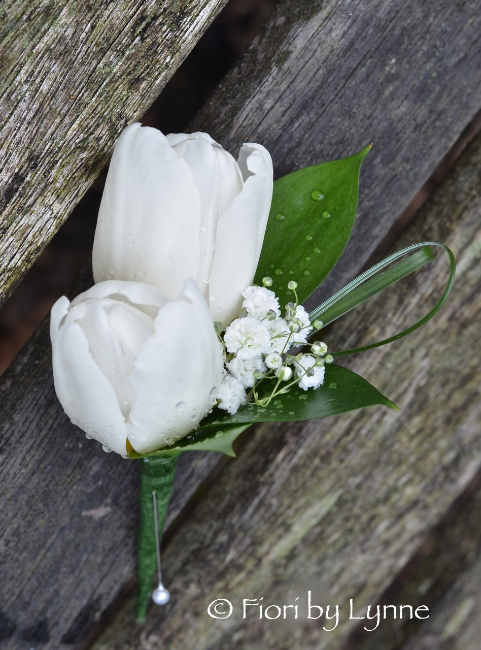 buttonhole-white-tulips-gyp-grass-looped1.jpg