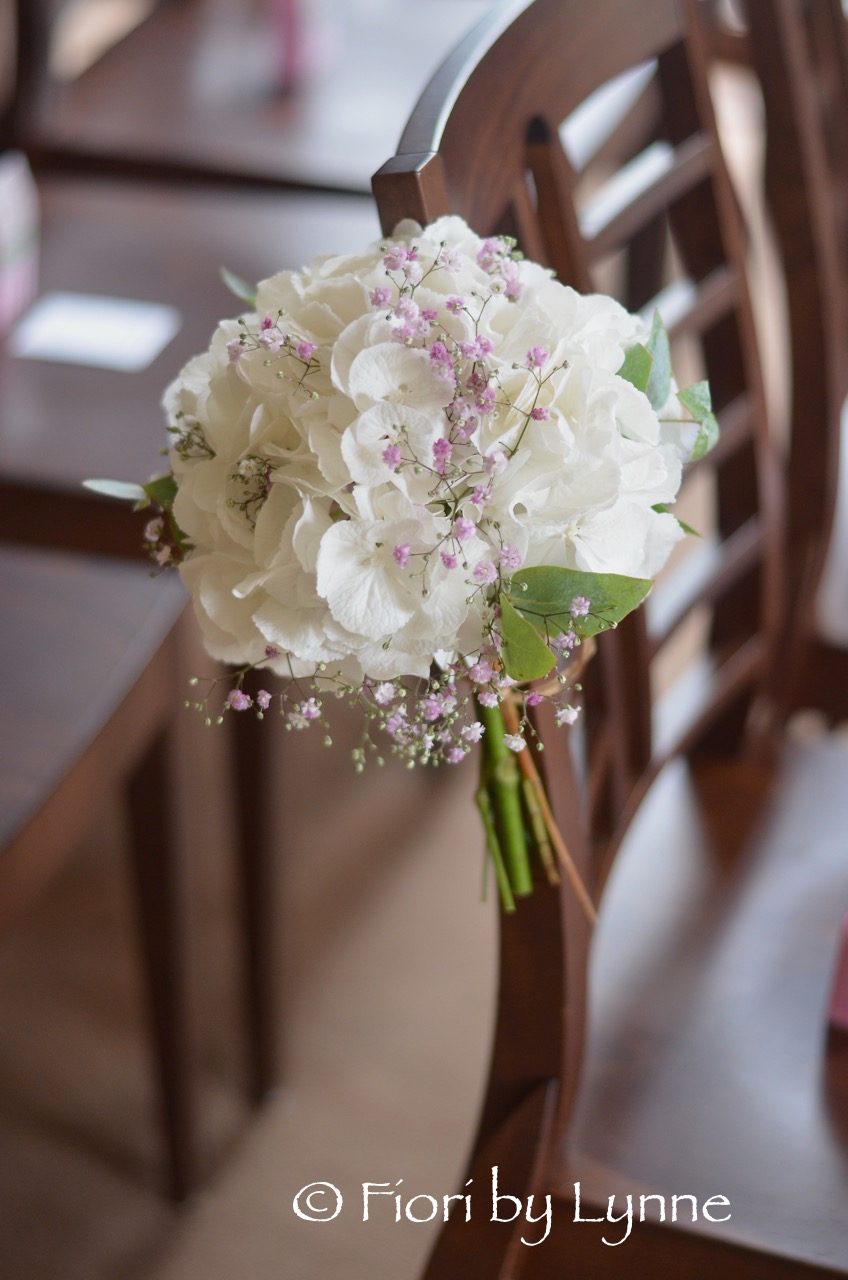 chair-flowers-white-hydrangeapink-gypsophila-houghtonlodge.jpg